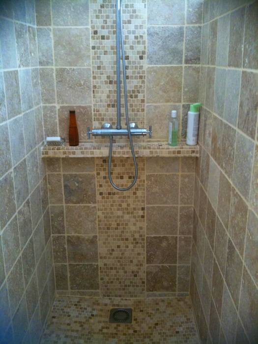 Carrelage de douches pose de carrelage douche italienne - Pose carrelage mosaique mural ...